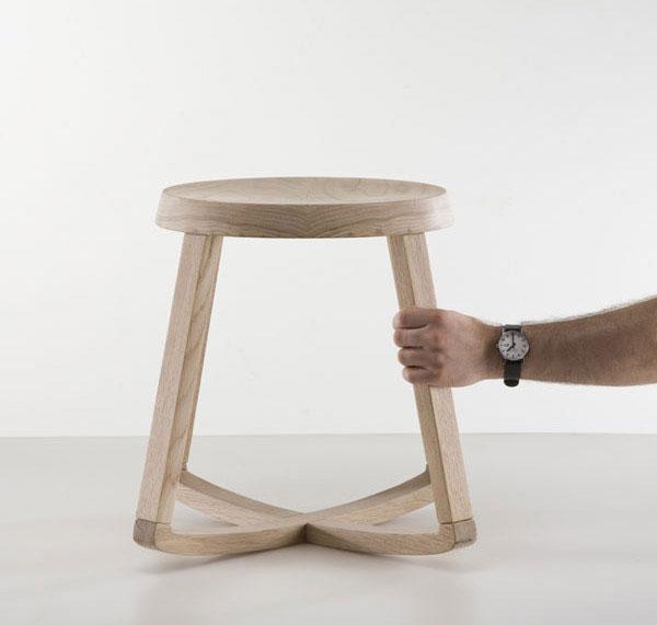 monarchy-stool