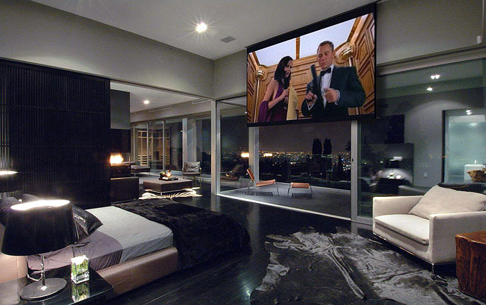 bedroom-tv-screen