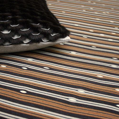 brown-black-rug