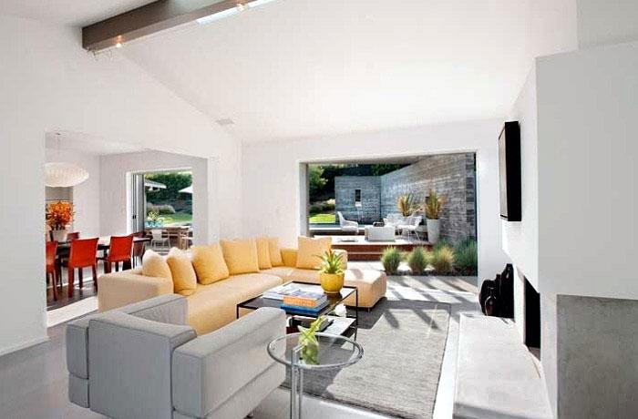 interior design yellow sofa