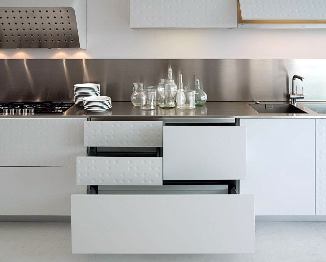 modern-kitchen-with-original-finish