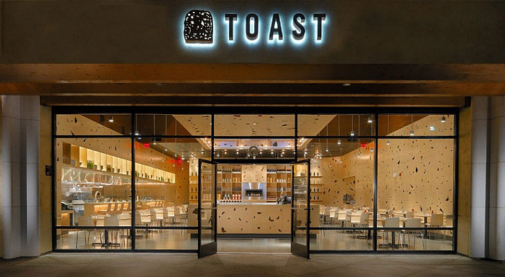 toast-novato-front-view