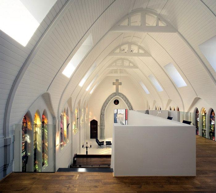 balcony chapel