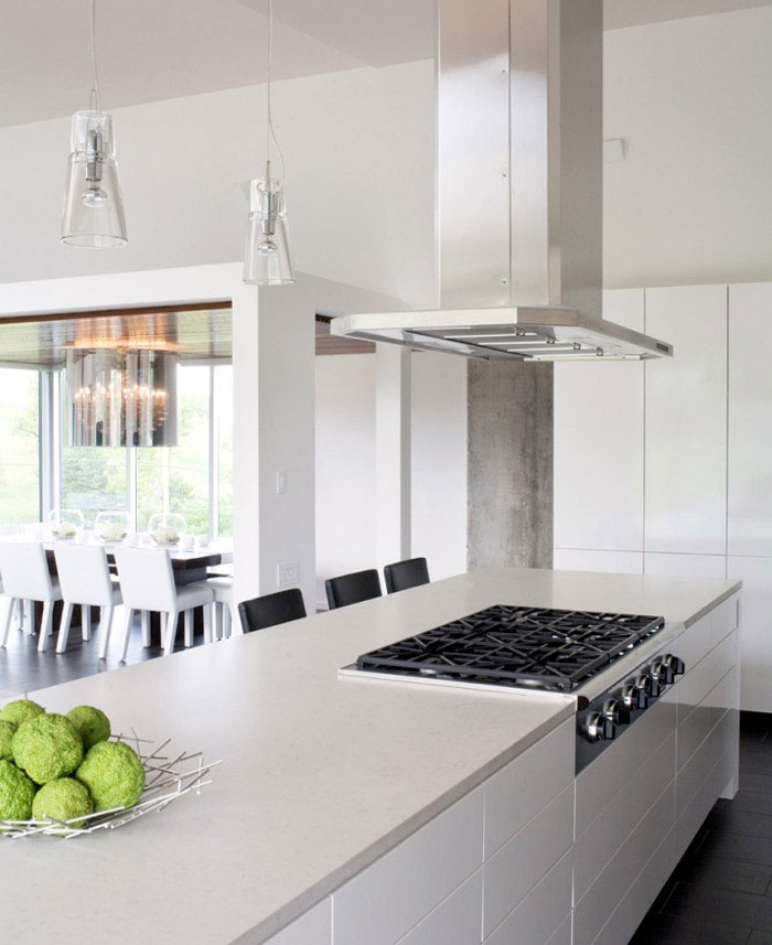beutiful white kitchen