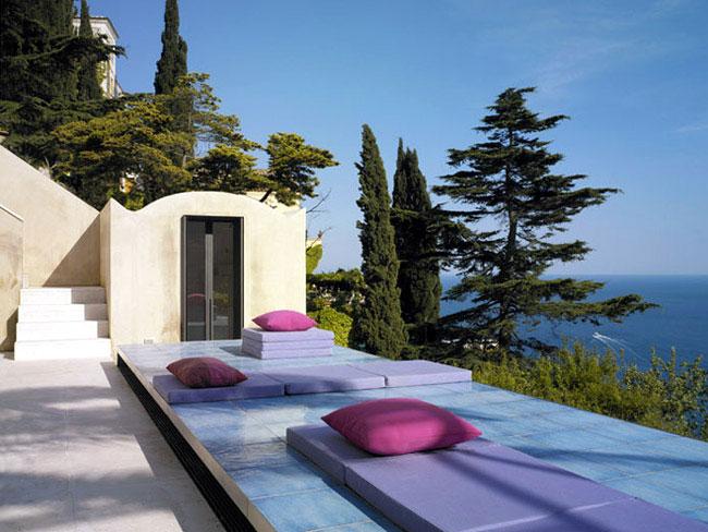 italian villa exterior