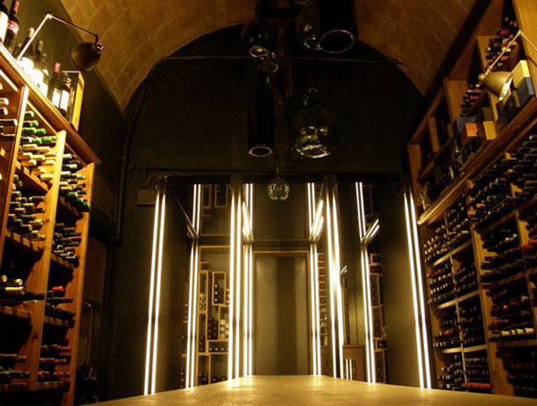 interior decorating wine cellar1