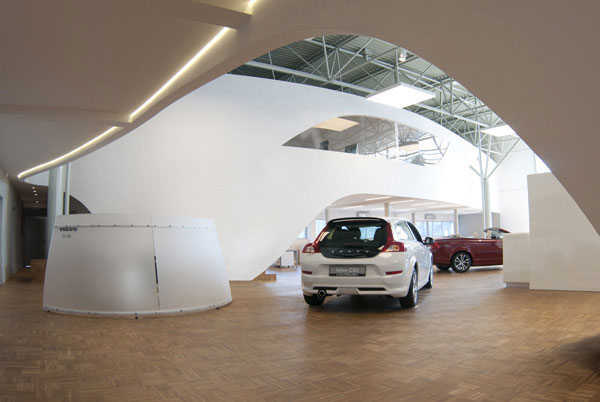 volvo motor showroom2