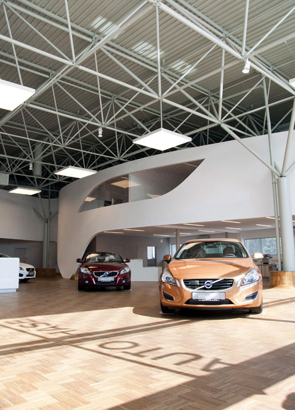 volvo motor showroom3