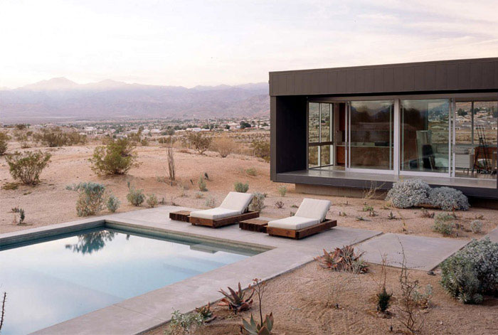 desert house pool