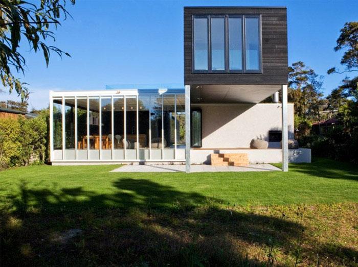 modern holiday house veranda
