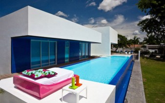 colombian contemporary house pool 338x212
