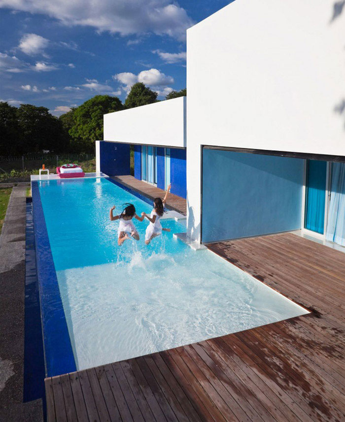 colombian contemporary house pool area1