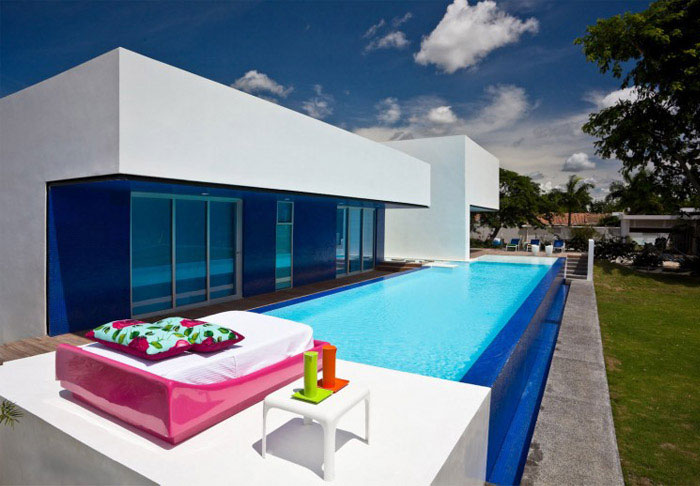 colombian contemporary house pool