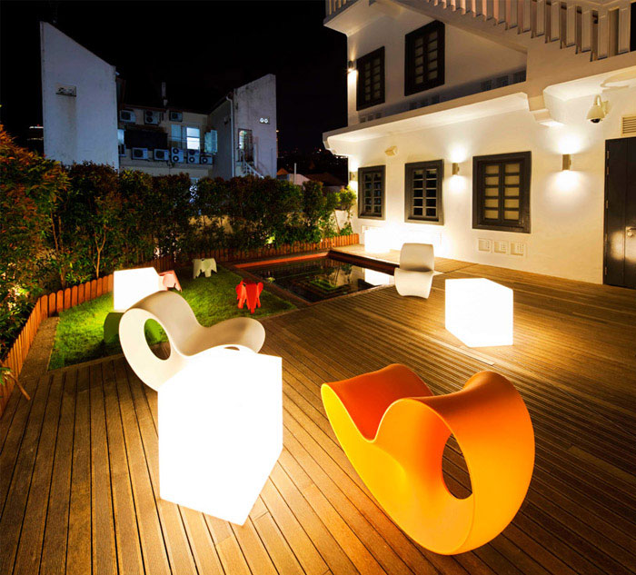contemporary design hotel garden decor