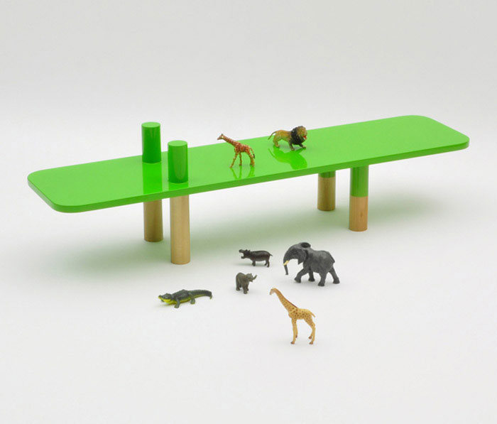 herd of benches welcome to the jungle4