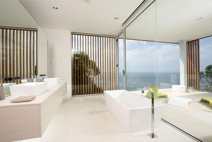 luxury villa mayavee phucket bathroom