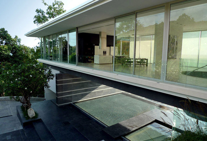 luxury villa mayavee phucket pool area1