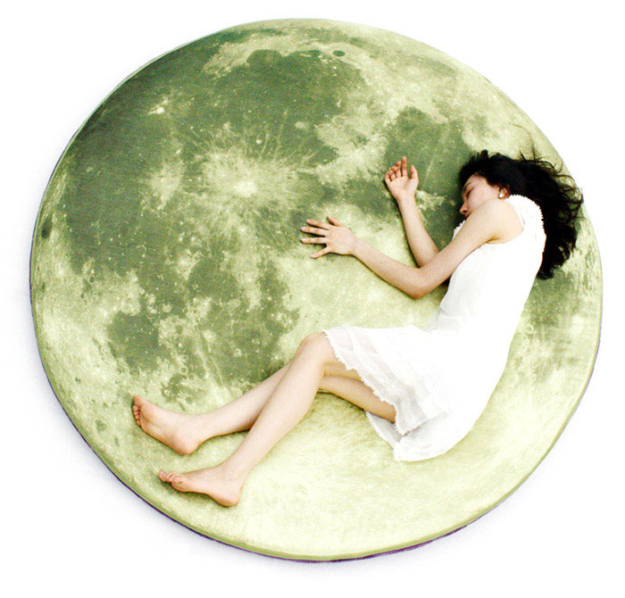fullmoon bed