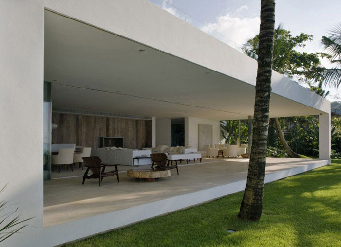 iporanga house interior exterior