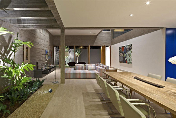 stylish house brazil dining area