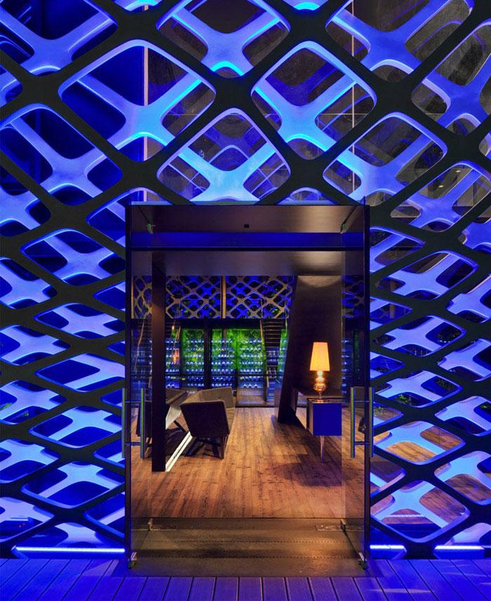 japanese restaurant interior open space