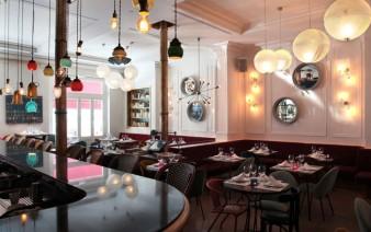 bohemian cafe table decor 338x212