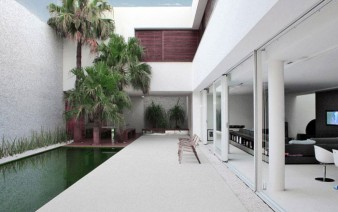 contemporary brazilian house pool 338x212