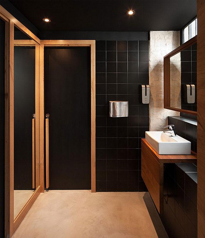 restaurant pacatar interior bathroom