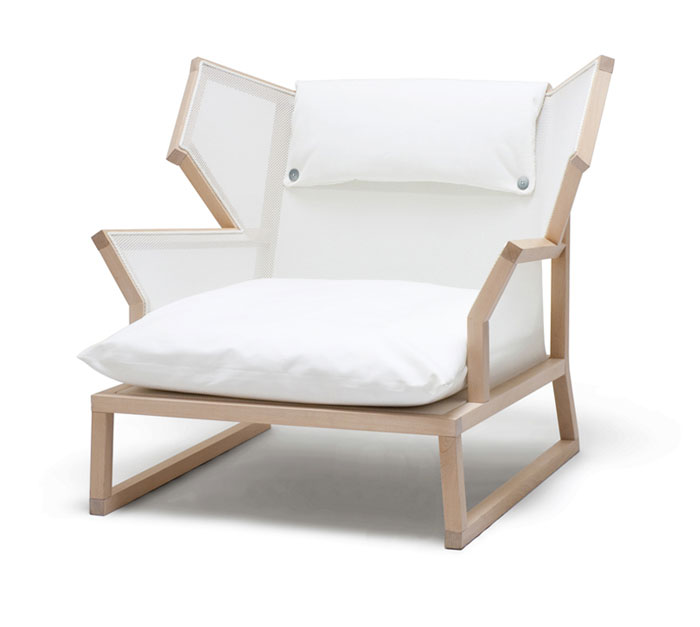 alfred armchair maple wood structure