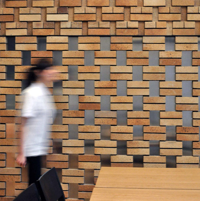 bricks decor corner restaurant