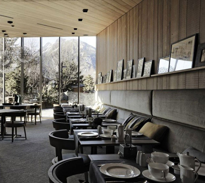 amazing mountain hotel dining room
