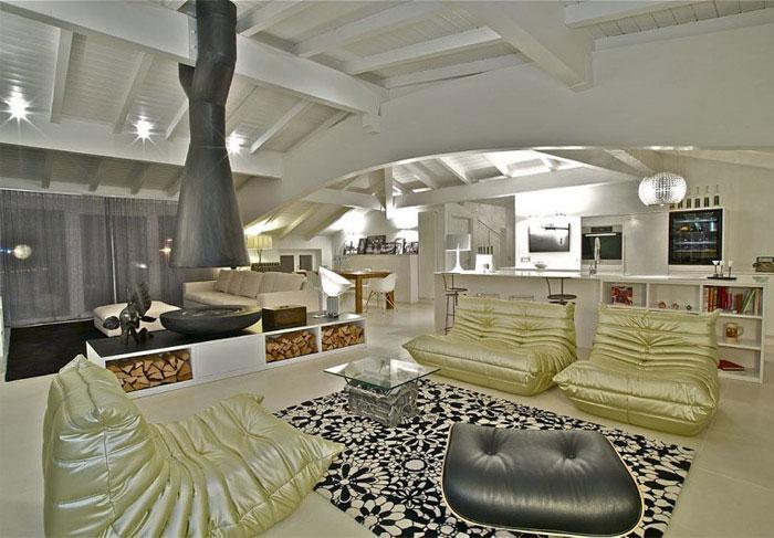 italian penthouse living area design