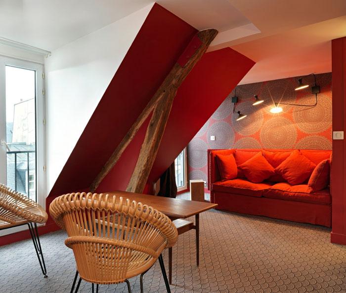 hotel-paradis-red-interior