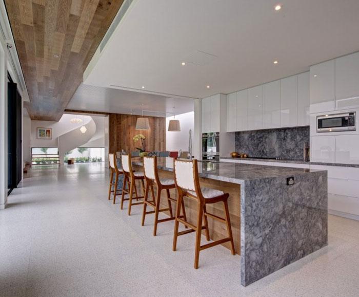 flexible-family-home-kitchen-decor