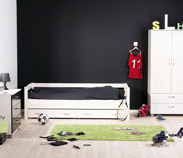 football-themed-bed-frame-boys