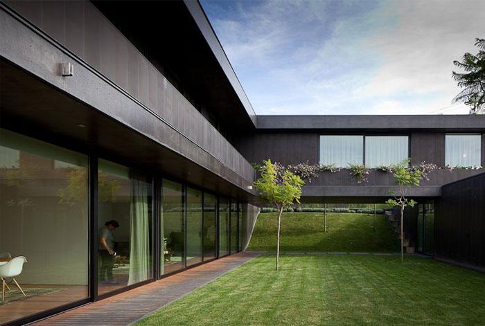 spaces-open-balcony