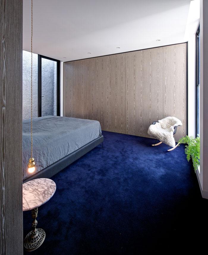 bedroom-blue-carpet