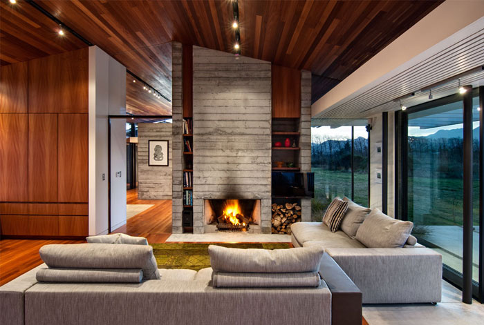 concrete-house-fireplace