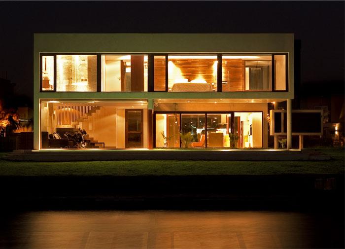 family-house6