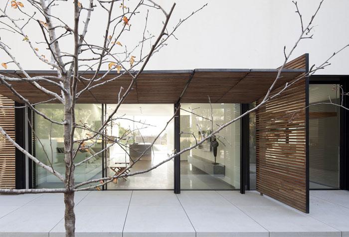 family-residence-4
