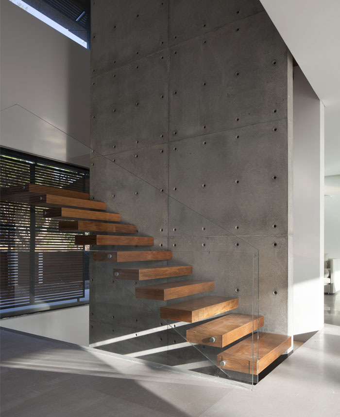 family-residence-concrete-wall staircase