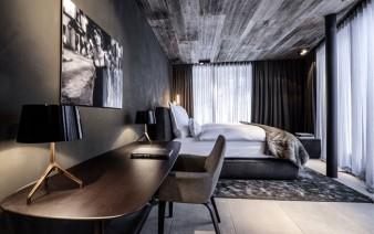 high class bedroom decor 338x212