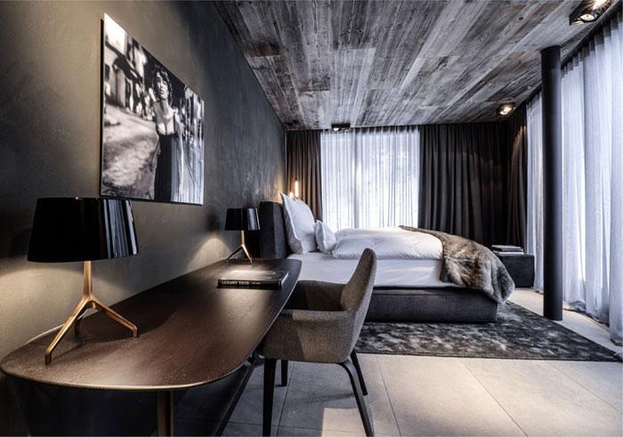 high-class-bedroom-decor