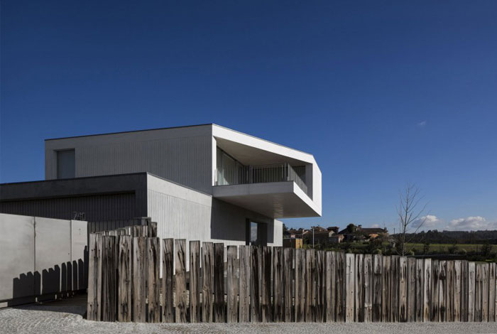 house-travanca-exterior