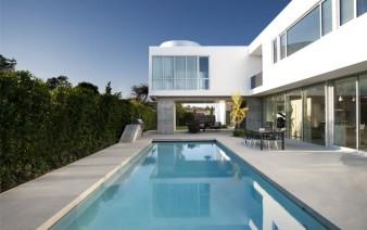 single family residence4 338x212