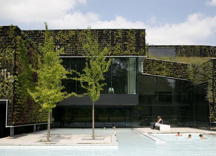 sport-plaza-outdoor-pool