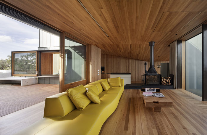timber-lined-interior-living-room9