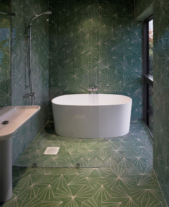 green-tile-bathroom2
