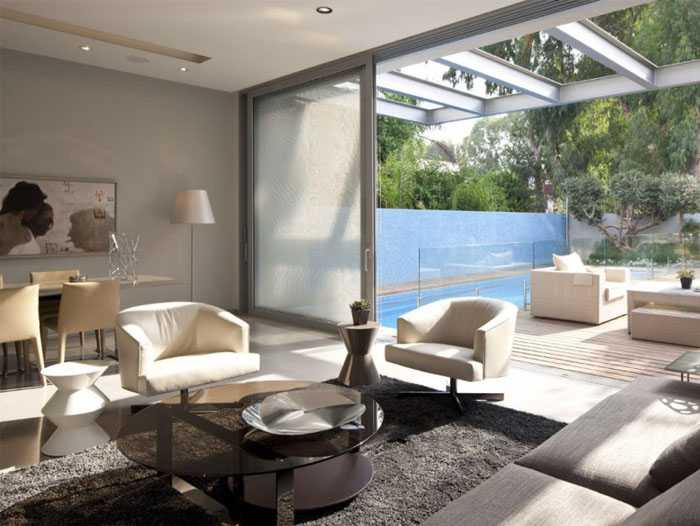 white-house-cozy-living-room-interior
