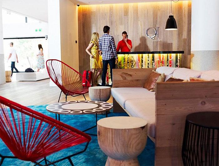 bright-colours-patterns-interior2